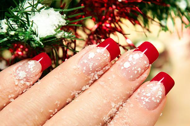 winter-maniküre. - nageldesign weihnachten stock-fotos und bilder