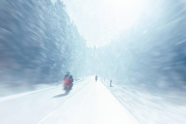 Winter Motorrad – Foto