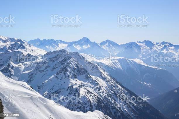 Winter mountain landscape picture id854106588?b=1&k=6&m=854106588&s=612x612&h=flnqfnp3y8l0s6h6yvqjf5xrrckdcirf3c6ktg84qzw=