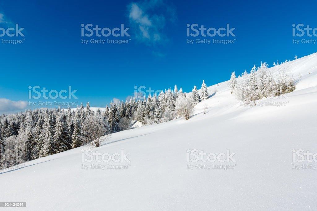 Winter verschneiten Berglandschaft – Foto