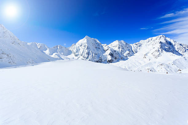 winter mountains, panorama. - skidpist bildbanksfoton och bilder