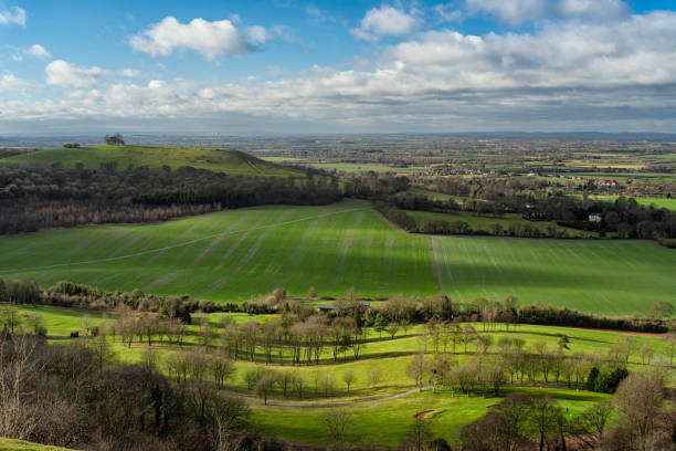 Winter On Coombe Hill In The Chilterns, Buckinghamshire Looking out over the Vale of Aylesbury from Coombe Hill in Buckinghamshire. buckinghamshire stock pictures, royalty-free photos & images