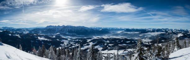 winter panorama der alpen - hotel alpenblick stock-fotos und bilder