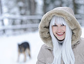 woman portrait  with white hair in winter sesson