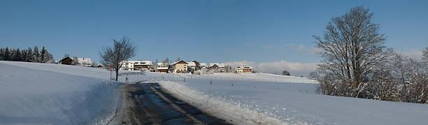 winter road-xxl-landschaft panorama - wohnlandschaft xxl stock-fotos und bilder