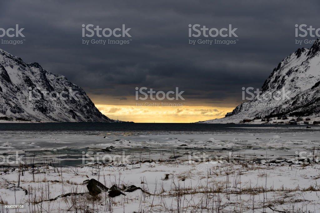 Lofoten kış manzarası stok fotoğrafı