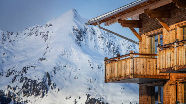 paysage d'hiver ski resort - station de ski photos et images de collection