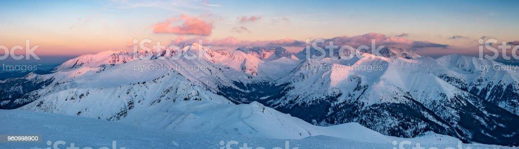 Sonnenuntergang Winterpanorama, Tatra-Gebirge Landschaft, Polen-Slowakei - Lizenzfrei Abenddämmerung Stock-Foto