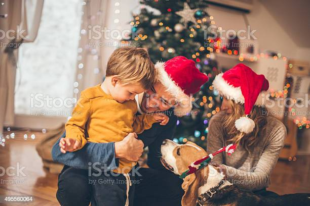 Winter time and family love picture id495560064?b=1&k=6&m=495560064&s=612x612&h=g4hng7witjvk9hzwl1ynuewhfdph5mhrxldmgym5aui=
