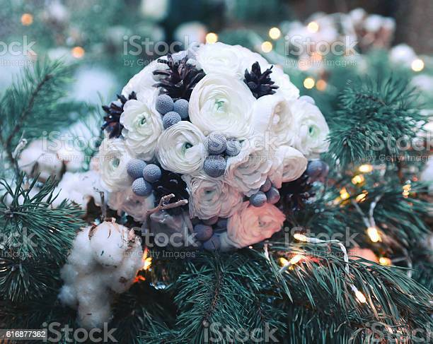 Winter wedding bouquet flowers decorated cones on branch christmas picture id616877362?b=1&k=6&m=616877362&s=612x612&h=tdci4dqvfo07yei4cjodkpkosxg0ie9xarbcperipeu=
