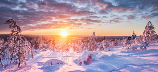 vinterlandskap i skandinavien vid solnedgången - norrbotten bildbanksfoton och bilder