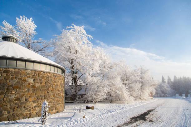 Winterberg, Duitsland weg, bedekt met sneeuw duitsland stock pictures, royalty-free photos & images