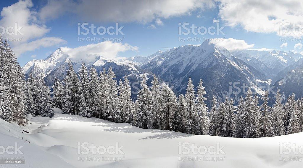 winterliches Alpenpanorama stock photo