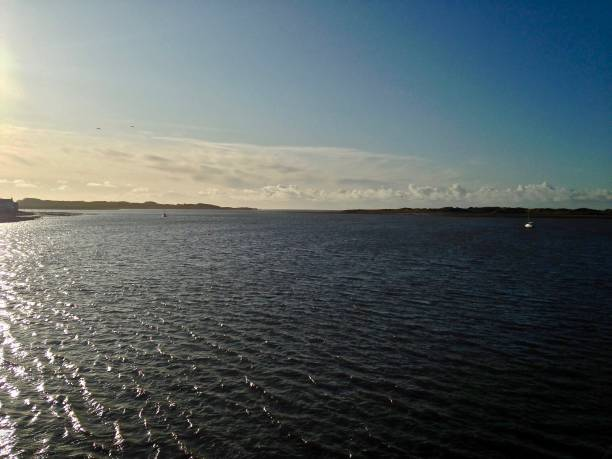 winter's morning at ravenglass estuary - mcdermp stock pictures, royalty-free photos & images