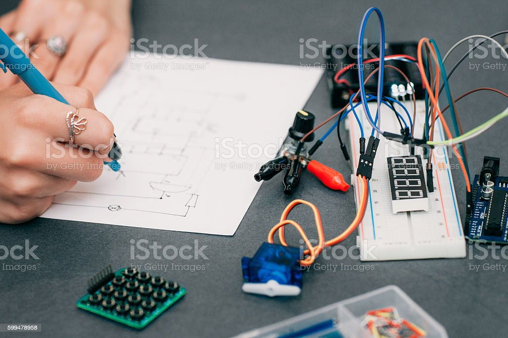 Wiring Diagram Drawing With Breadboard Stockfoto und mehr ... on