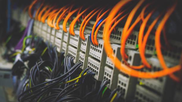 okablowanie plc panel sterowania z przewodami przemysłowymi - przewód składnik elektryczny zdjęcia i obrazy z banku zdjęć
