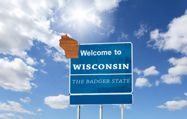 Wisconsin, Welcome road sign View of road sign wisconsin state capitol stock pictures, royalty-free photos & images
