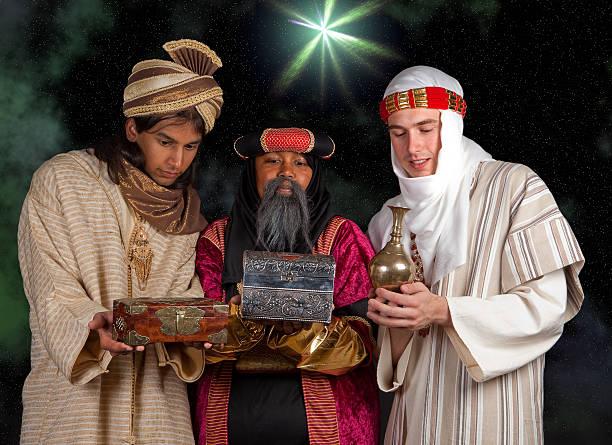 wisemen presentes - reis magos imagens e fotografias de stock