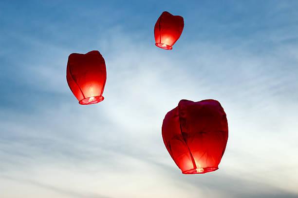wish balloons - rislampa bildbanksfoton och bilder