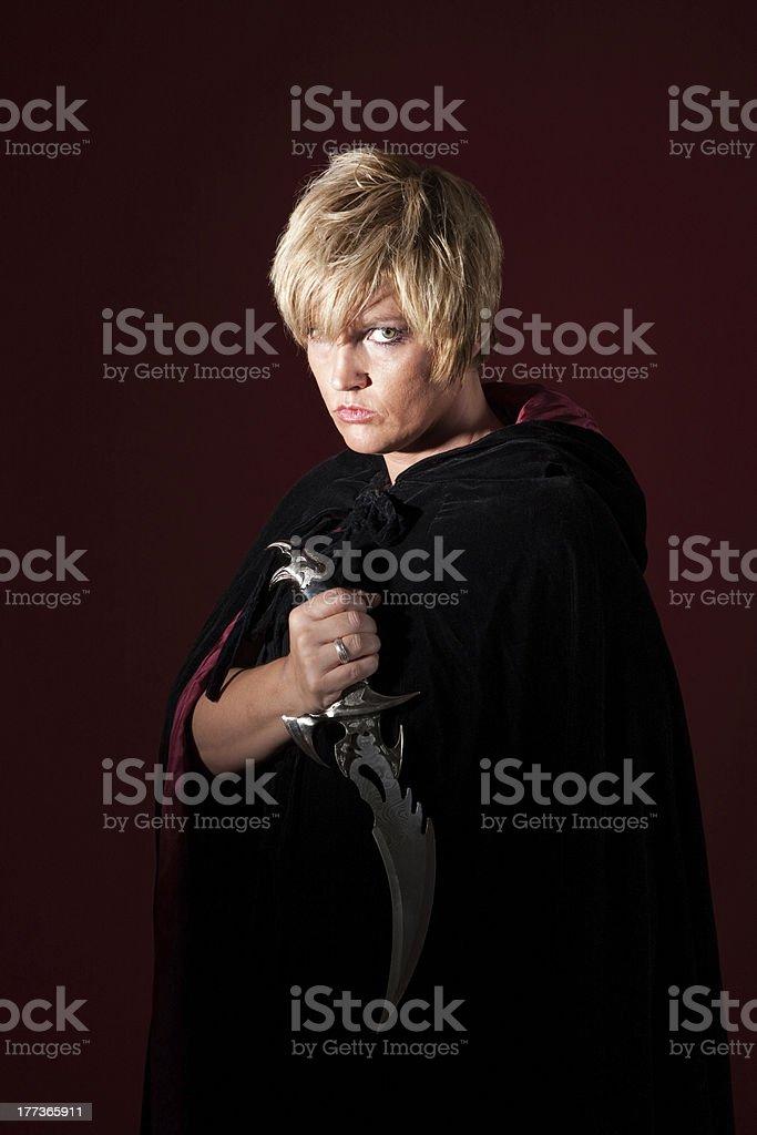 Bruxa com Athame - foto de acervo