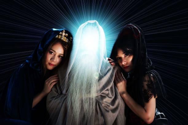 Witches wizards demons fairy tale fantasy story picture id968822970?b=1&k=6&m=968822970&s=612x612&w=0&h=6qurl9g9t gxjnejolskvvw4fvvxcbu3ca9deca3oau=