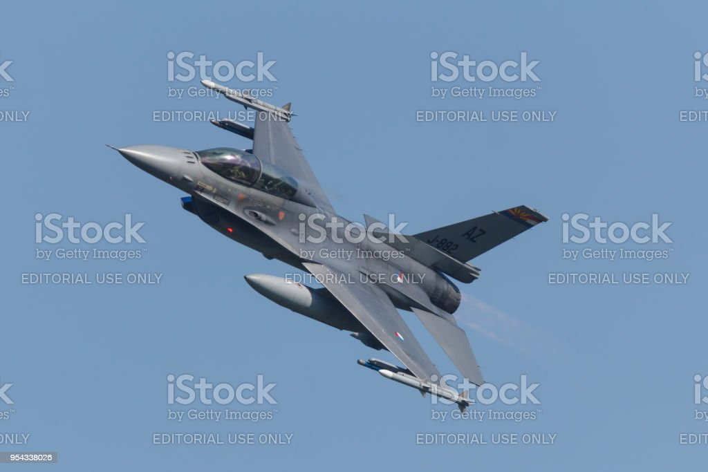 Een RNLAF F-16 met markeringen voor Tucson Air Force Base tijdens de Frisian Flag oefenen foto