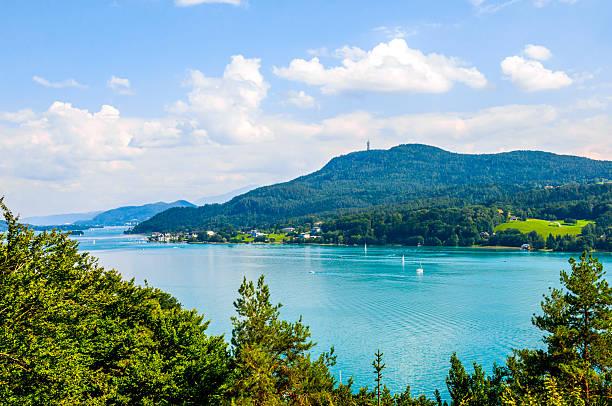 woerthersee lake in kärnten betrifft, österreich - wörthersee stock-fotos und bilder