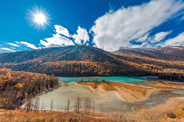 wolong bay of kanas river view ,  xinjiang, china - altai nature reserve stockfoto's en -beelden