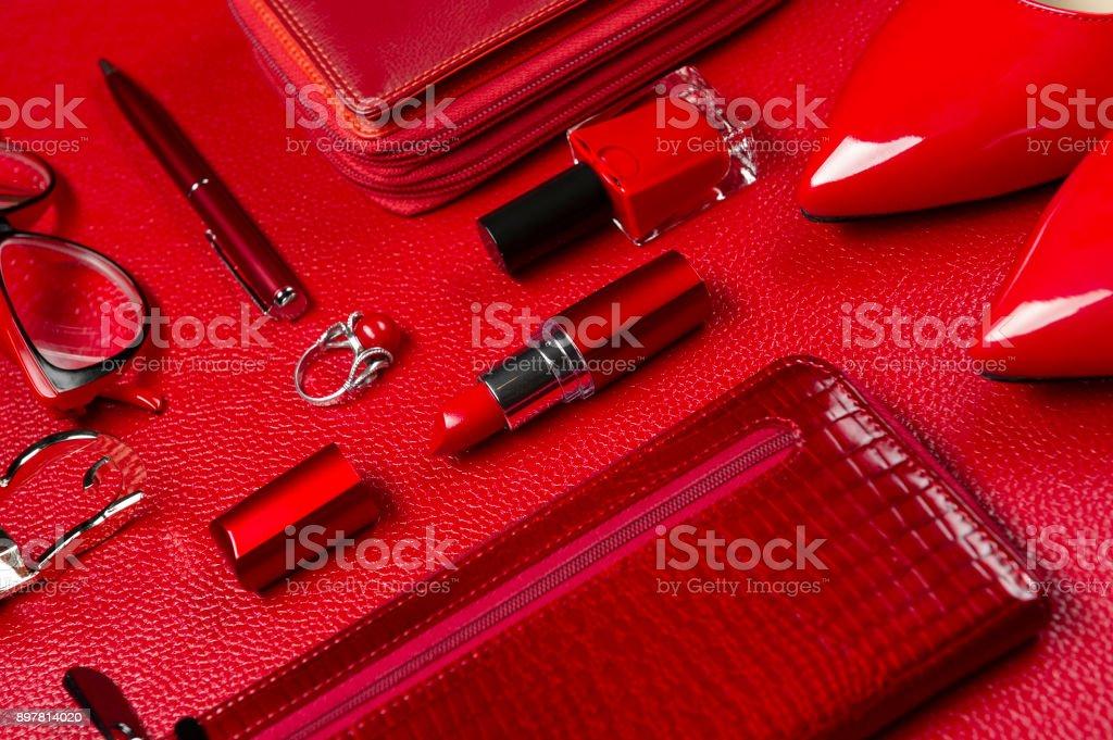 Frau Accessoires in rot – Foto