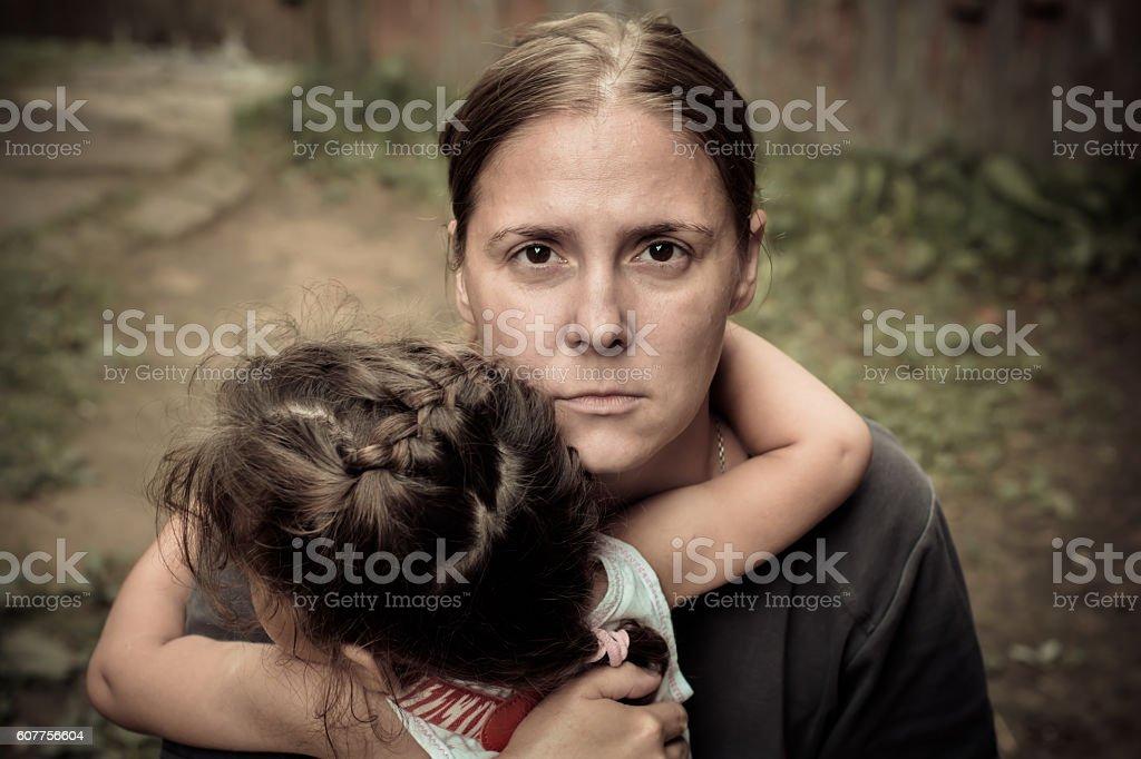 Mulher e criança - foto de acervo