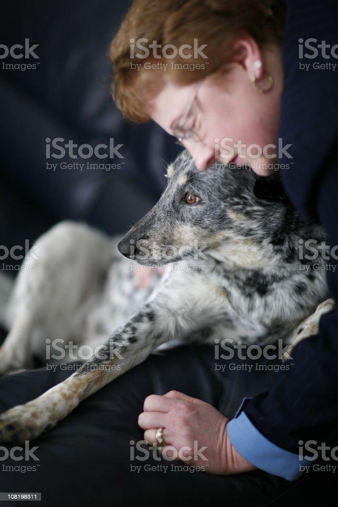 Kobieta i jej Pies – zdjęcie