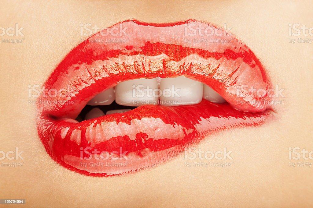 Femme mord sa lèvre - Photo