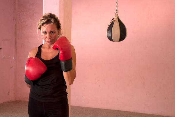 女性ボクサー - showus ストックフォトと画像