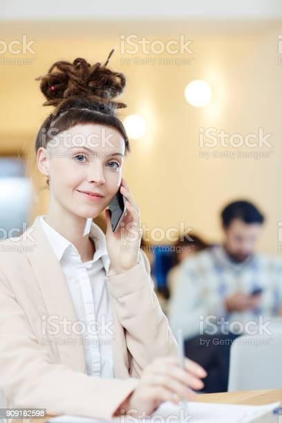 Woman calling picture id909162598?b=1&k=6&m=909162598&s=612x612&h=3qrcuadtqpiuryseiky1pfnswrkqa bxvw4aw28t sy=