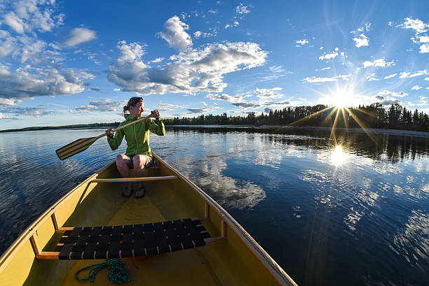 Woman Canoeing – Foto