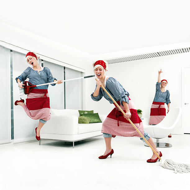 Woman cleaning Woman cleaning samenwerking stock pictures, royalty-free photos & images