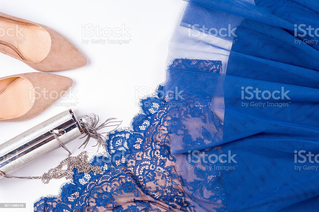 Frau Kleidung und Accessoires. Weichen blauen Farben weibliche Bekleidung. Lizenzfreies stock-foto
