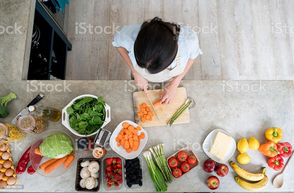 Frau kochen wie zu Hause fühlen – Foto