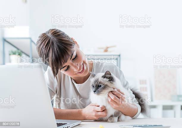 Woman cuddling her cat picture id504120278?b=1&k=6&m=504120278&s=612x612&h=fmsobxnc5nbfwgos2gwyixa9jeeixdoybfrhik 57vm=