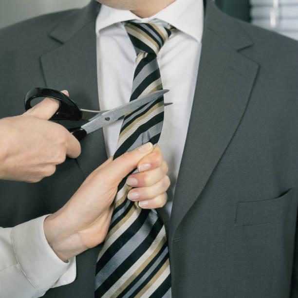 Corbata de mujer corte empresario. - foto de stock