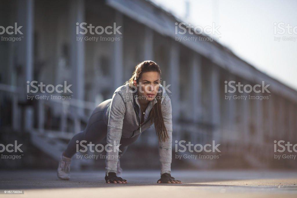 Frau tun, Push-ups – Foto