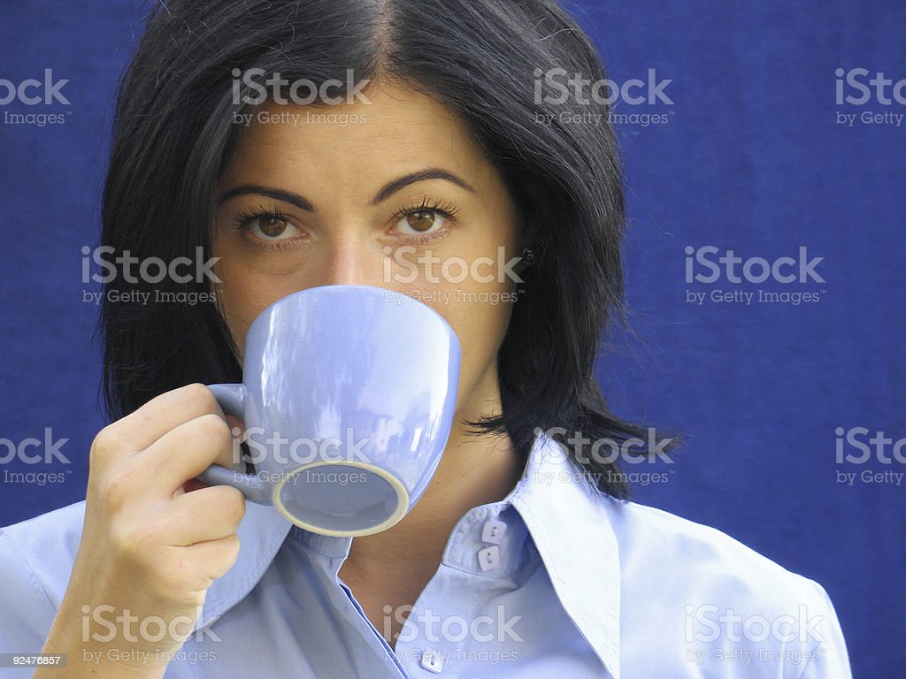 Kaffee trinkende Frau Lizenzfreies stock-foto