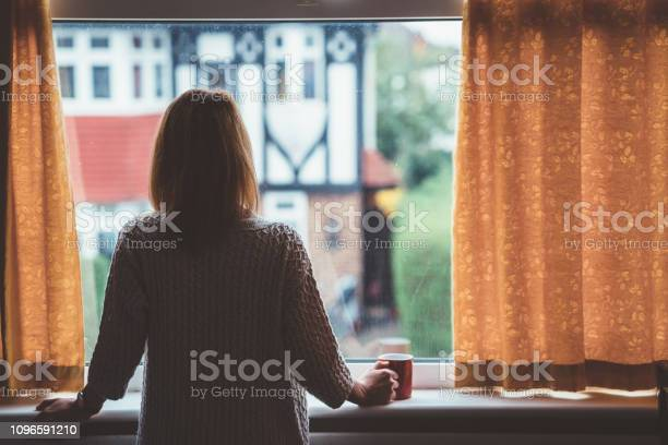 Woman drinking tea at home picture id1096591210?b=1&k=6&m=1096591210&s=612x612&h=nnvp0u hqe4r1mdunl lkukvtuporhlkun0qm9qkwsq=