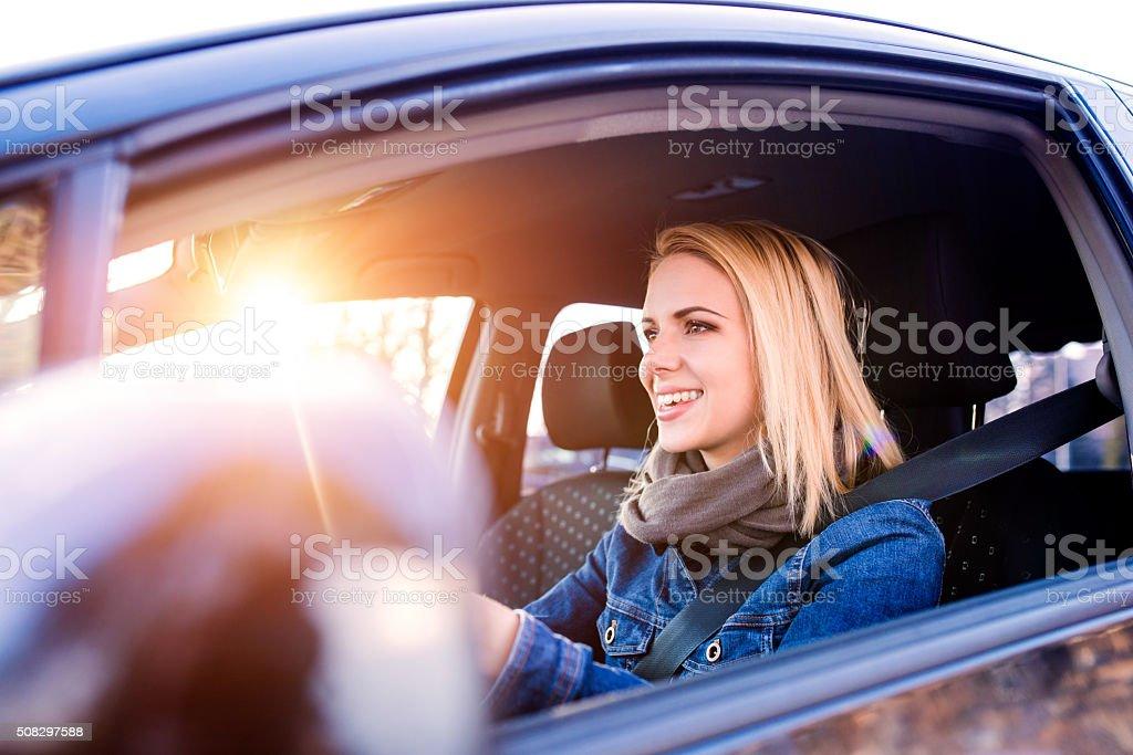 Frau Fahren ein Auto – Foto