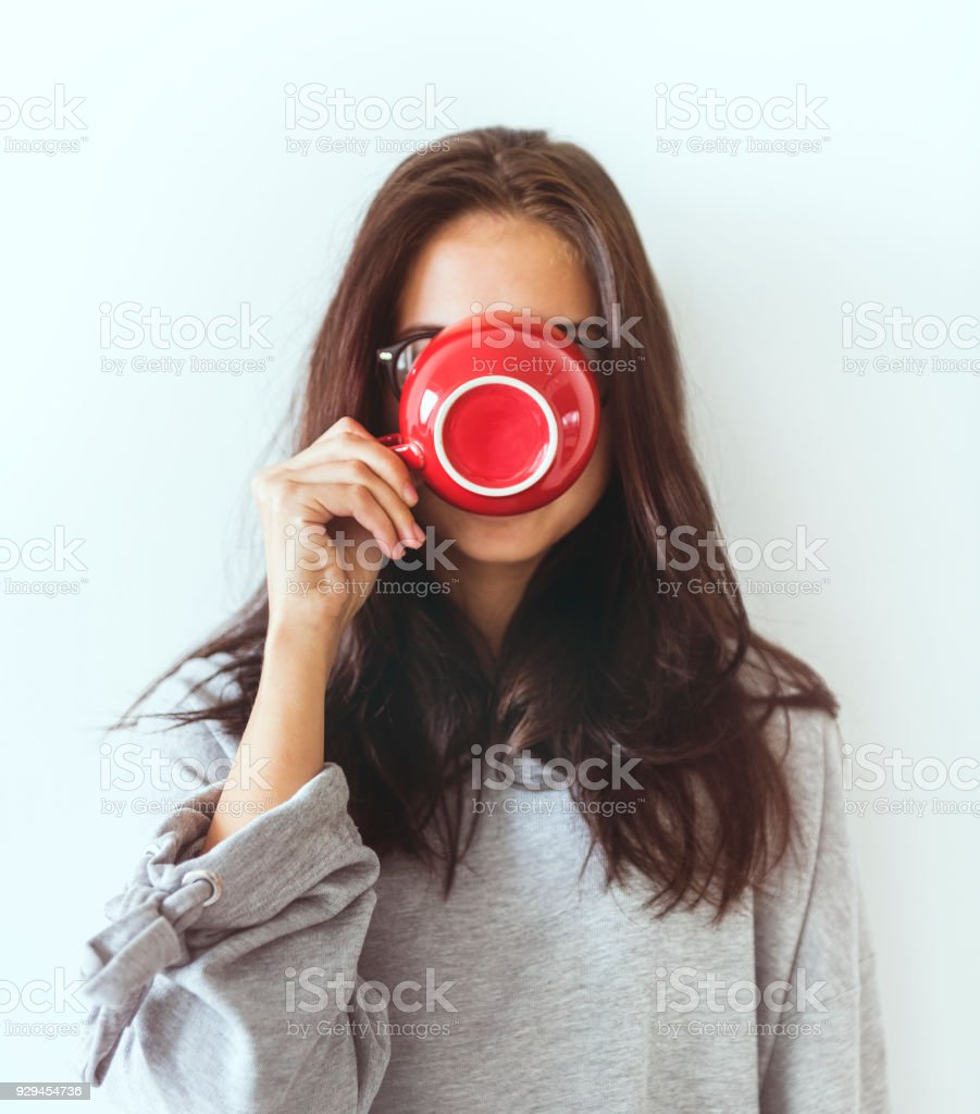 Frau Genießen Sie Ihren Kaffee am Morgen – Foto