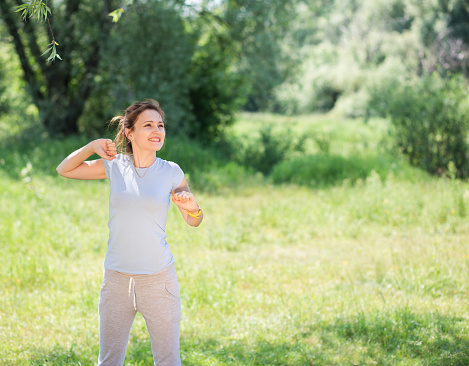 479652946 istock photo woman exercising outdoors 479643814
