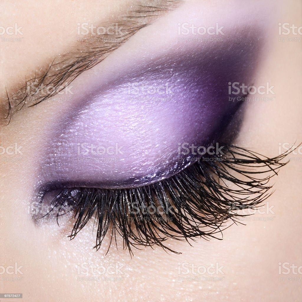 Femme avec des yeux extrêmement longs cils photo libre de droits