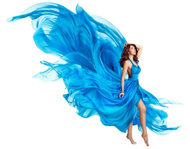 frau blau kleid, elegant mode-modell in flatternden kleid auf weiß, kunst stoff fliegen fliegen und flattern im wind - abendkleid lang blau stock-fotos und bilder