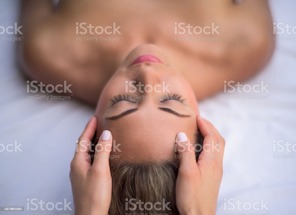 Woman getting a facial at the spa – Foto