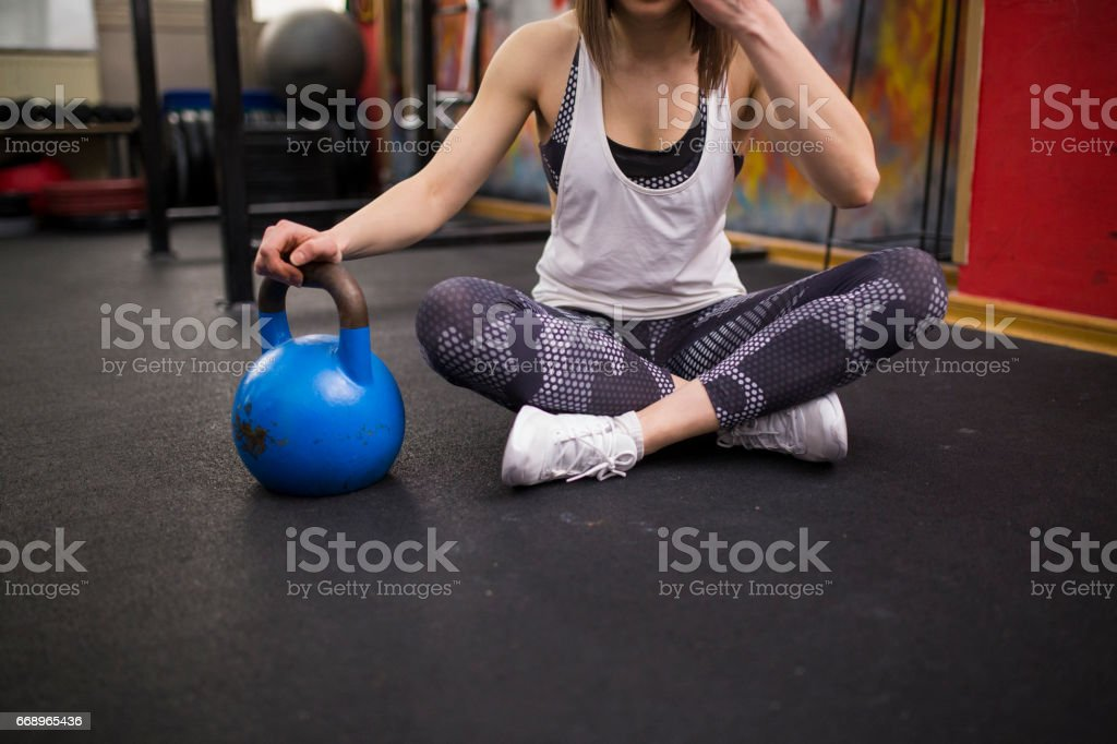 Woman getting ready to workout foto stock royalty-free